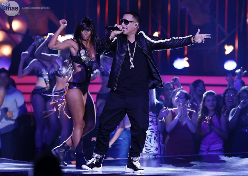 """Daddy Yankee elevado al club de los Premios Billboard Salón de la Fama. El rey del reguetón Daddy Yankee cantará su nuevo éxito, """"Métele al perreo"""", durante la gala de los Premios Billboard de la Música Latina"""