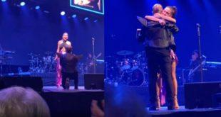En pleno concierto, Mike Bahía le propuso matrimonio a Greeicy Rendón